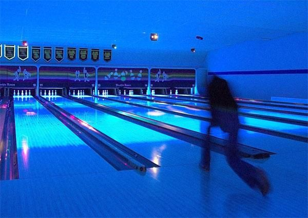 bowling glow dark alley blacklight ball dark