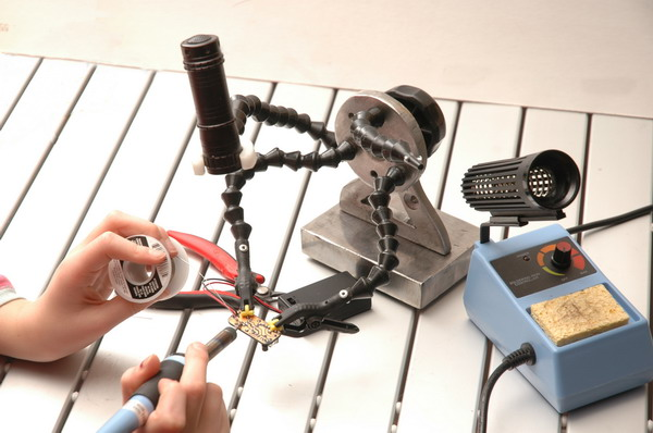 electronics kits third hand soldering iron