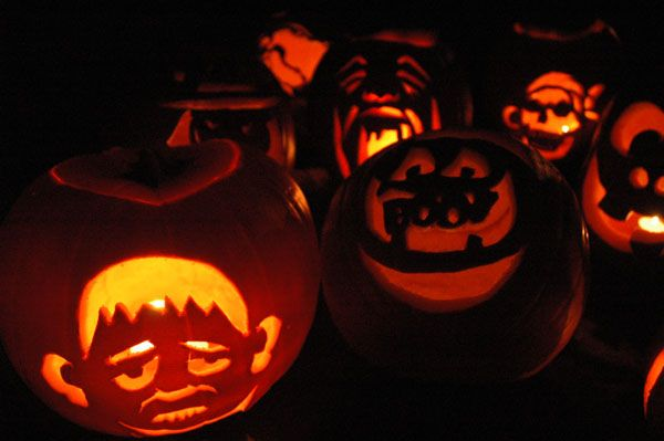 jack-o-lantern pumpking carving halloween scary faces