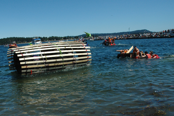 nanaimo sillyboat regatta race